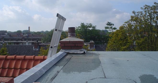 Dak en schoorsteen